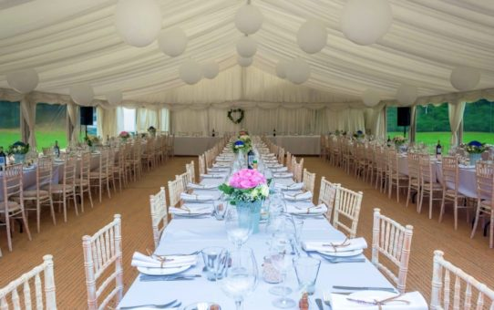 7 Reasons You Need To Rent A Tent For Your Outdoor Wedding