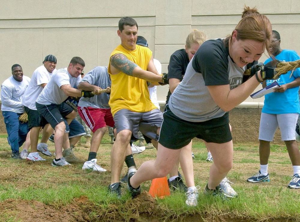 tug of war team building